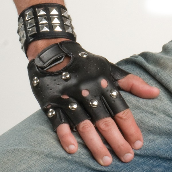 STUDDED/PUNK FINGERLESS GLOVES
