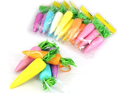 EASTER BAG OF LARGE HANGING CARROTS - PACK OF 3