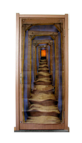 LIGHT UP HAUNTED HALLWAY DOOR CURTAIN WITH SPOOKY SOUNDS