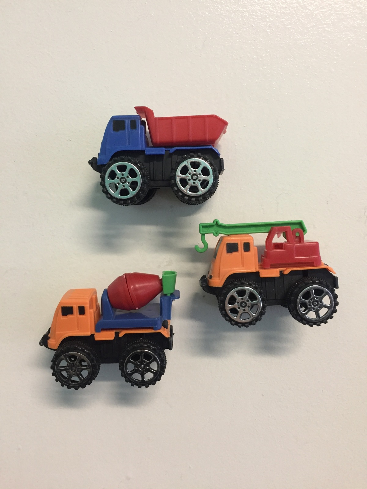 PARTY FAVOURS - PULL BACK CONSTRUCTION TRUCKS - PK 12