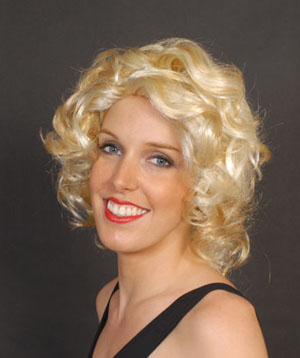MARILYN MONROE WIG WITH LIGHT BROWN HIGHLIGHTS