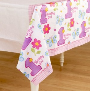 1ST BIRTHDAY PARTY HUGS AND STITCHES TABLE COVER GIRL