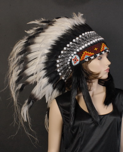 INDIAN HEADDRESS - BLACK & WHITE MID-LENGTH