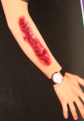 HALLOWEEN FAKE GORY WOUND ARM SLEEVE