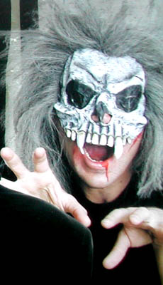 MASK - FANGED SKULL WITH GREY HAIR