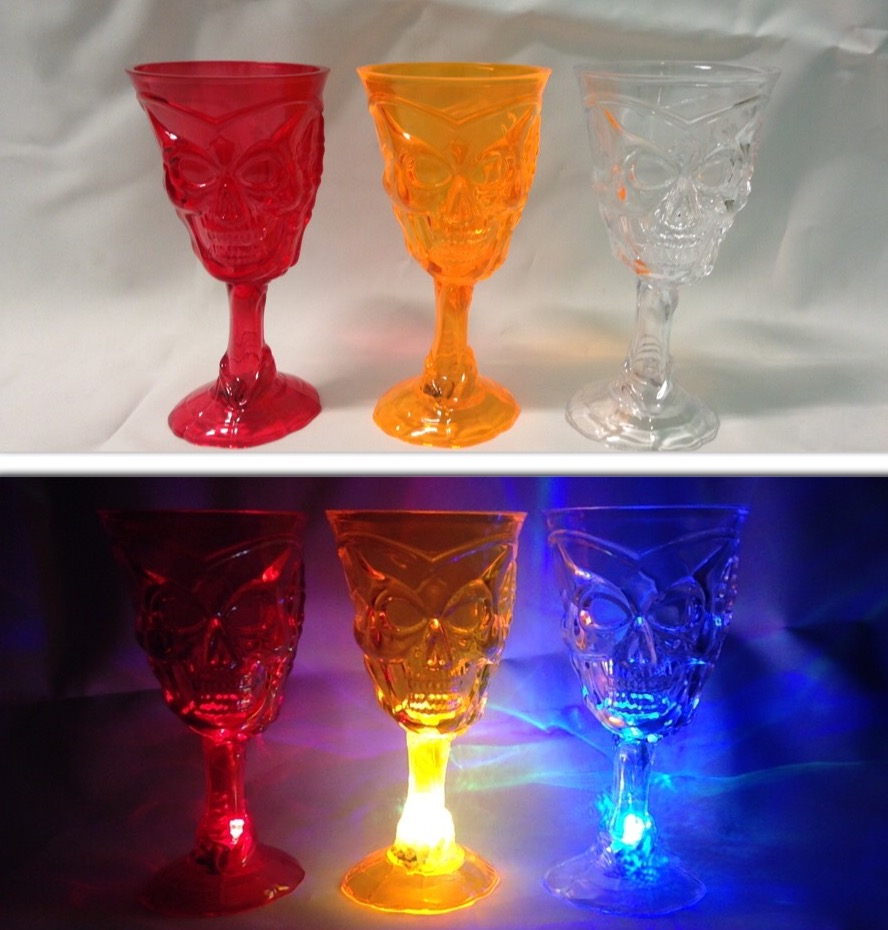HORROR LIGHT UP SKULL GOBLETS IN 3 ASSORTED COLOURS